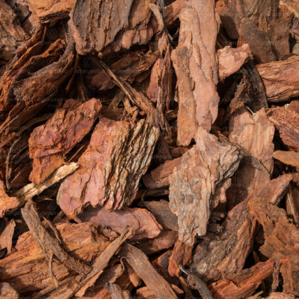 Scoarta decorativa de pin, granulatie 2-10 cm, sac 70 Litri